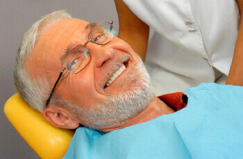 5 Signs of Aging Oral Health